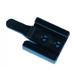 Clip retainer for battery pack